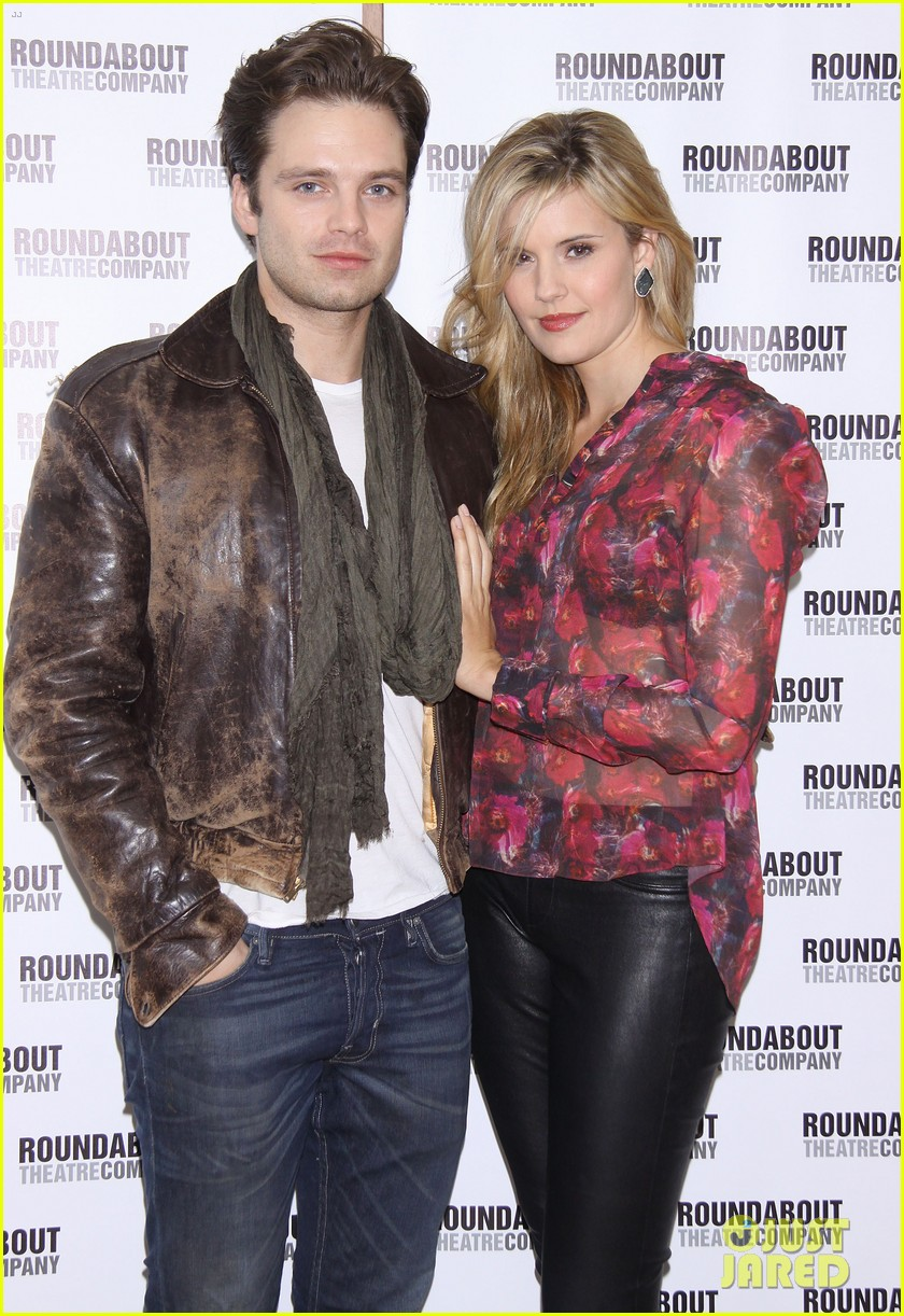 sebastian stan maggie grace picnic photo call 09
