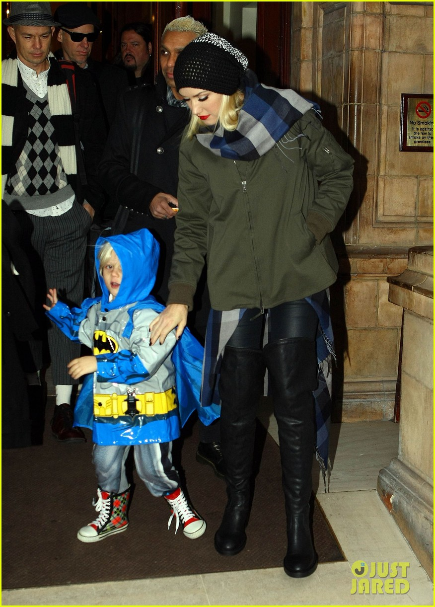 gwen stefani headed to x factor with batman zuma 03
