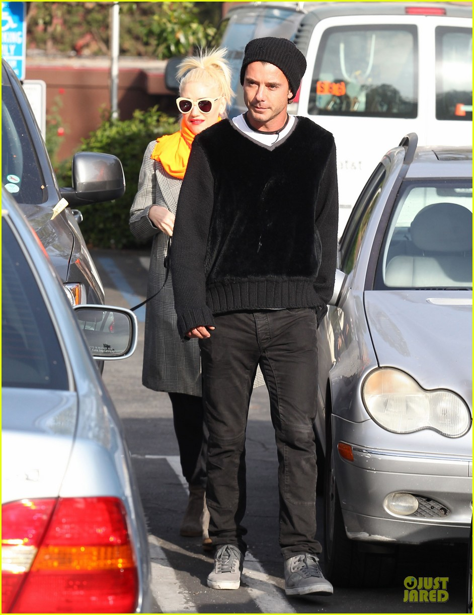 gwen stefani zumas school dropoff 07