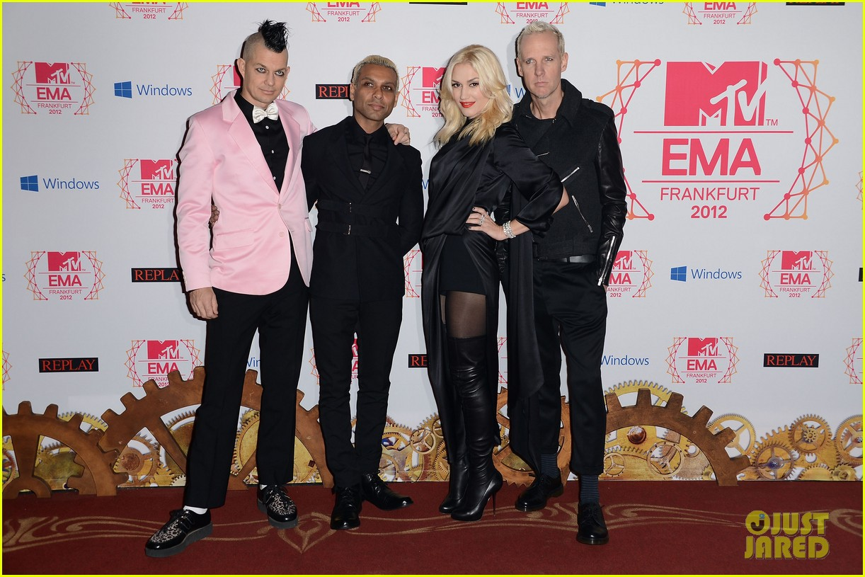 gwen stefani no doubt mtv emas 2012 red carpet 032755377