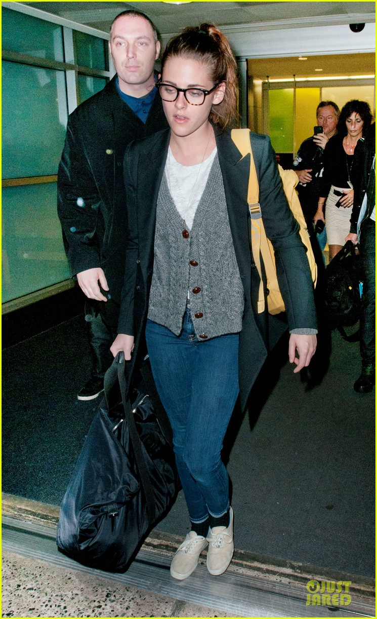 kristen stewart robert pattinson day after thanksgiving traveling 05