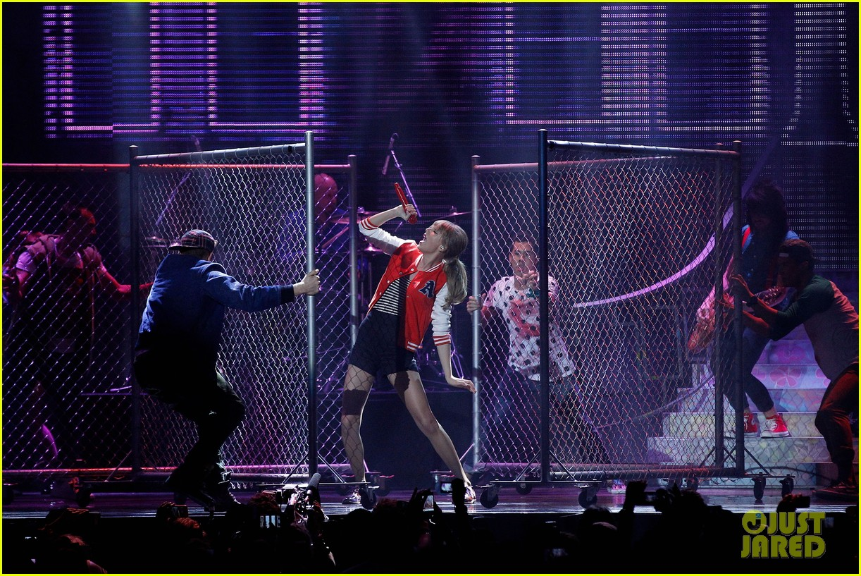 taylor swift i knew you were trouble at 2012 arias watch now 072765945