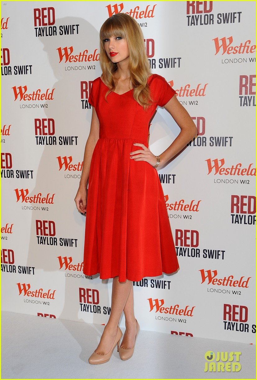 taylor swift westfield london christmas lights ceremony 162751922