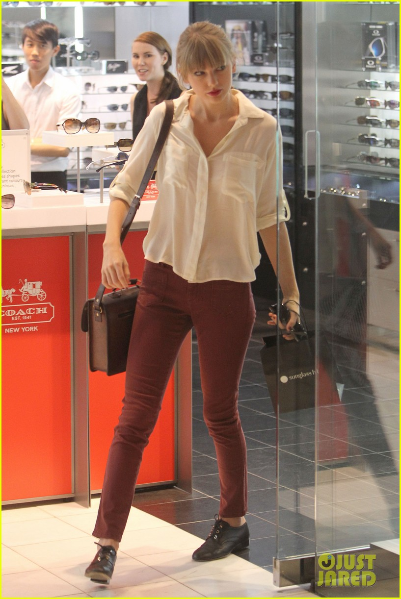 taylor swift shopping in sydney 08