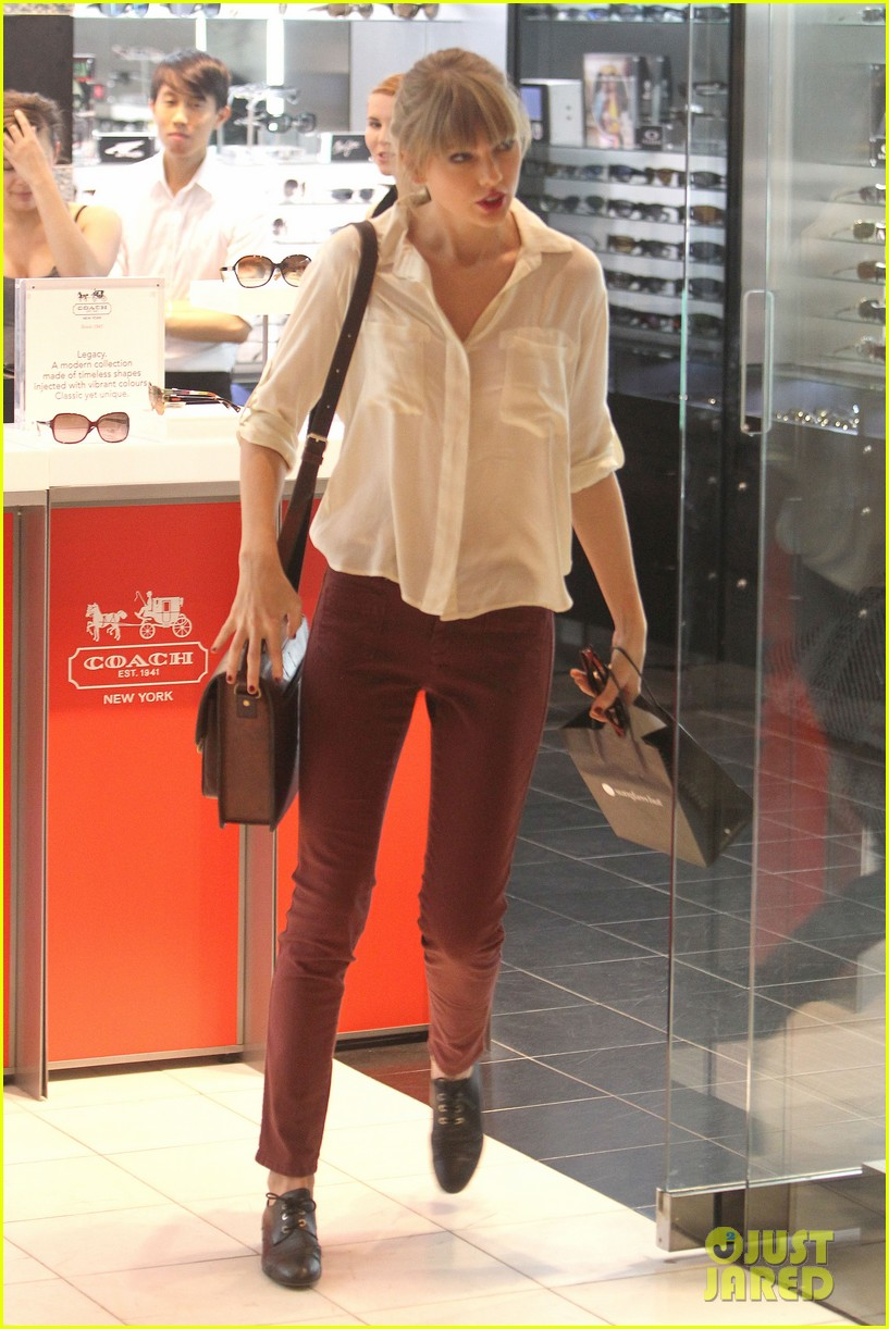 taylor swift shopping in sydney 10