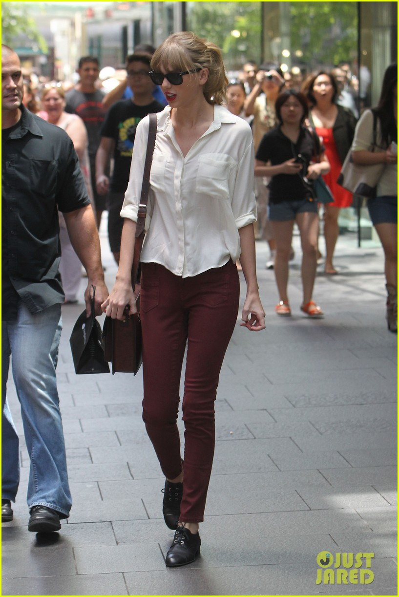 taylor swift shopping in sydney 15
