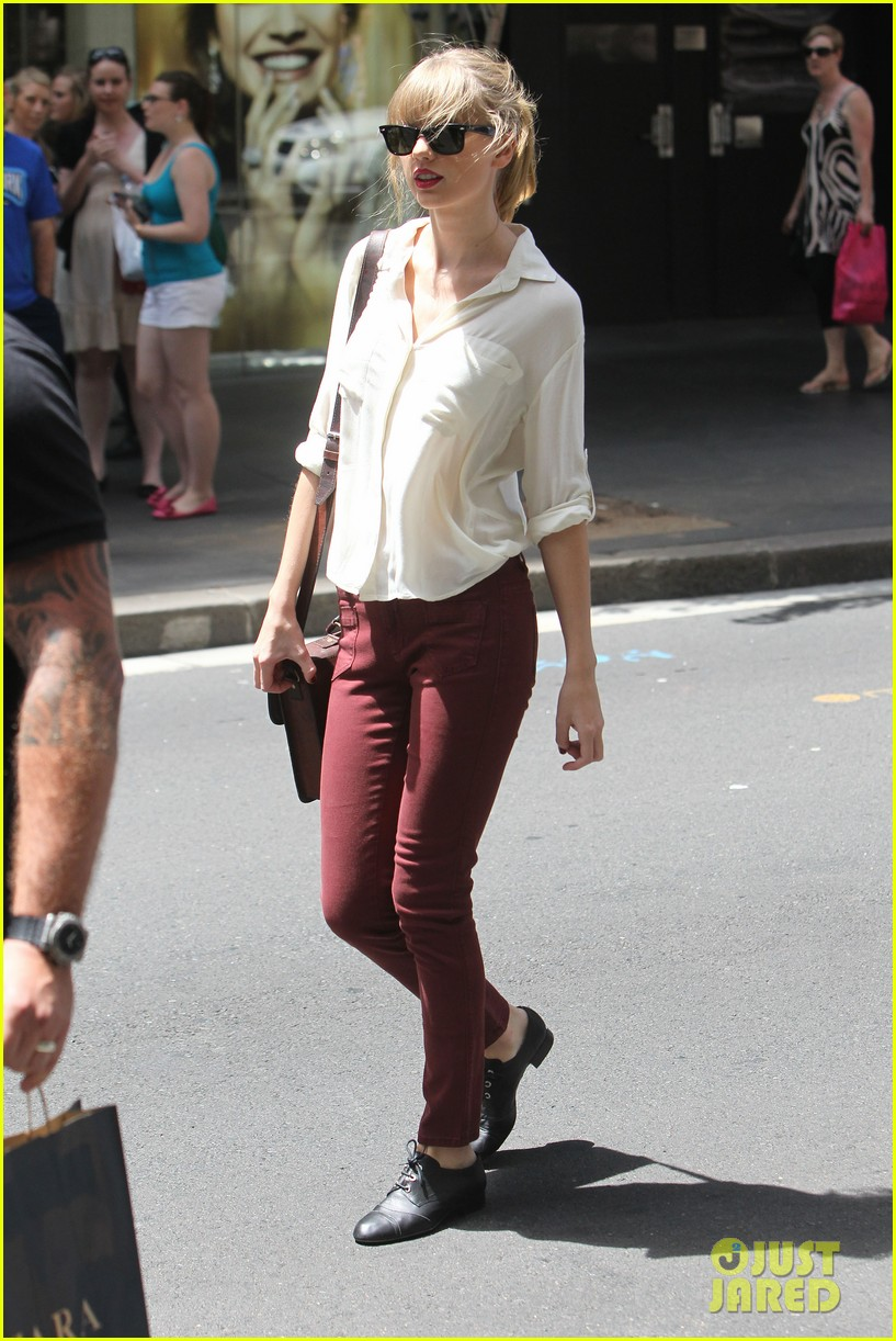 taylor swift shopping in sydney 24