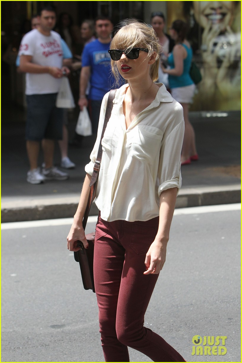 taylor swift shopping in sydney 25