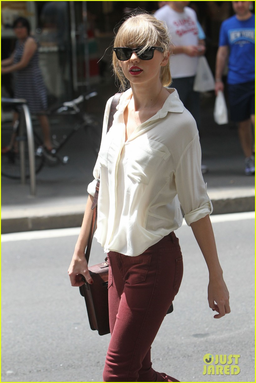 taylor swift shopping in sydney 27