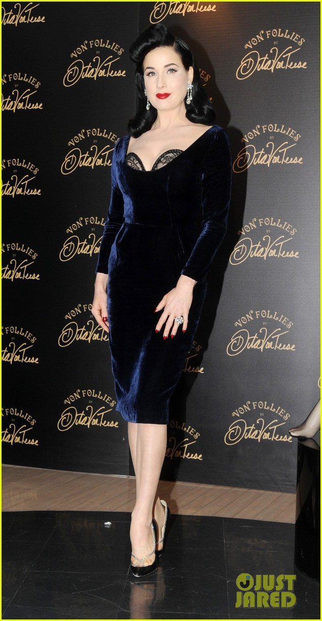dita von teese von follies lingerie launch 06