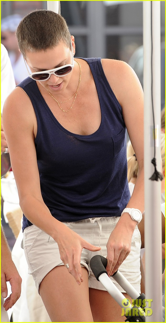 charlize theron cape town lunch with jackson 05