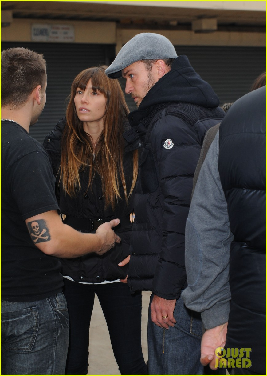 justin timberlake jessica biel hurricane sandy relief workers 02