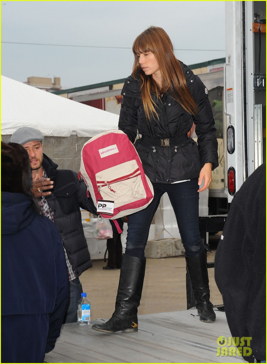 justin timberlake jessica biel hurricane sandy relief workers 12