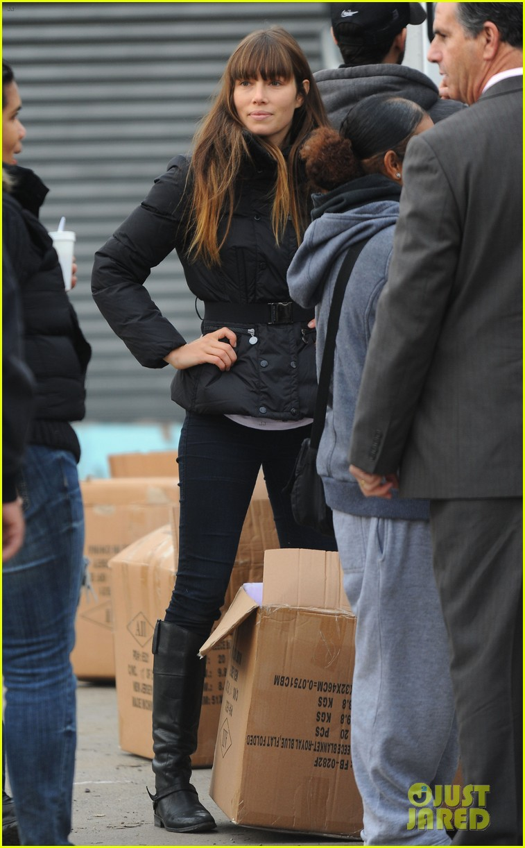 justin timberlake jessica biel hurricane sandy relief workers 23