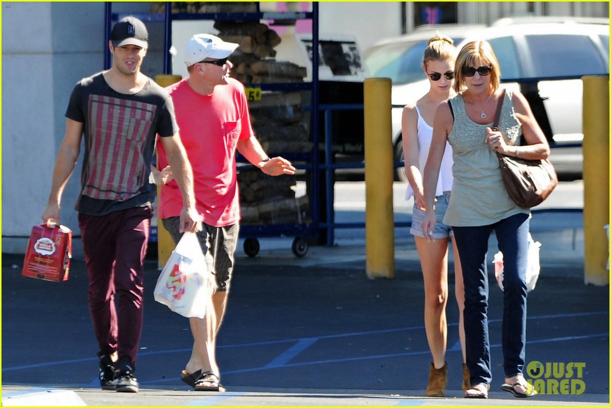 emily vancamp josh bowman los feliz family outing 122751323
