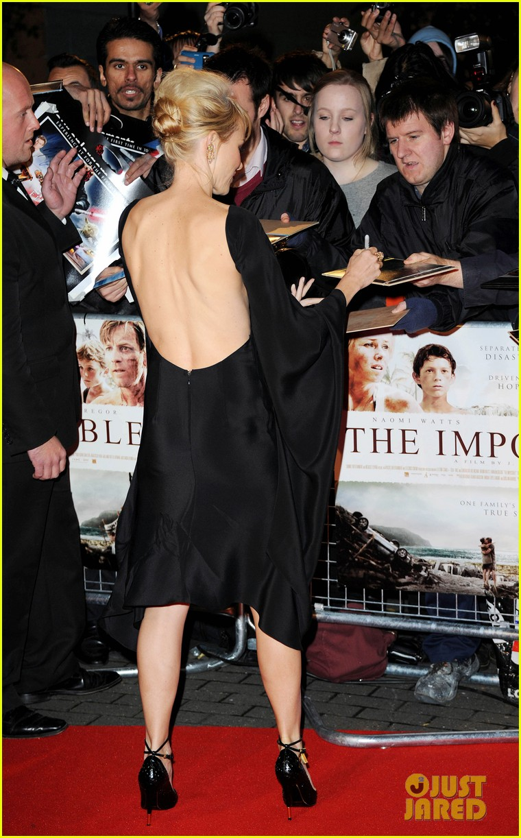 naomi watts backless dress at impossible premiere 15