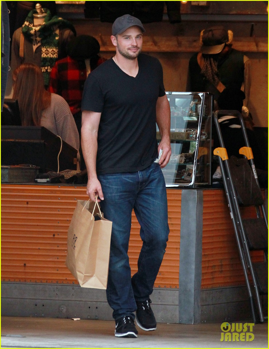 tom welling short buzz cut at rrl ralph lauren store 012766339