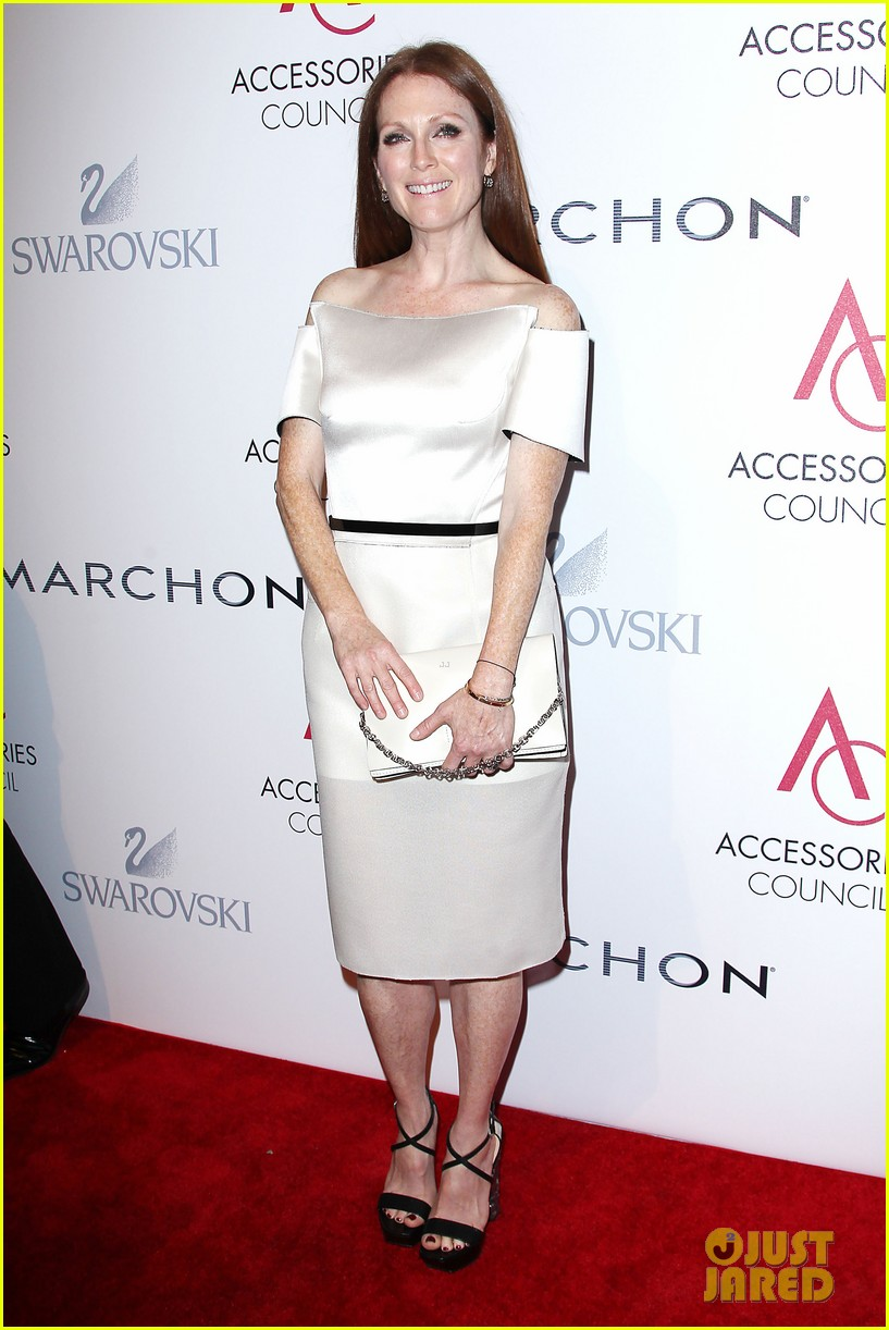 olivia wilde julianne moore ace awards new york city 35