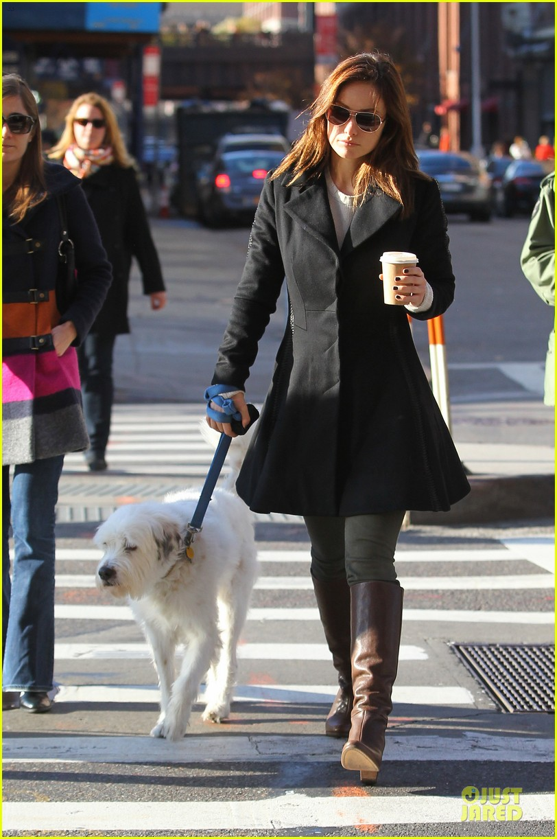 olivia wilde coffee run with paco 10