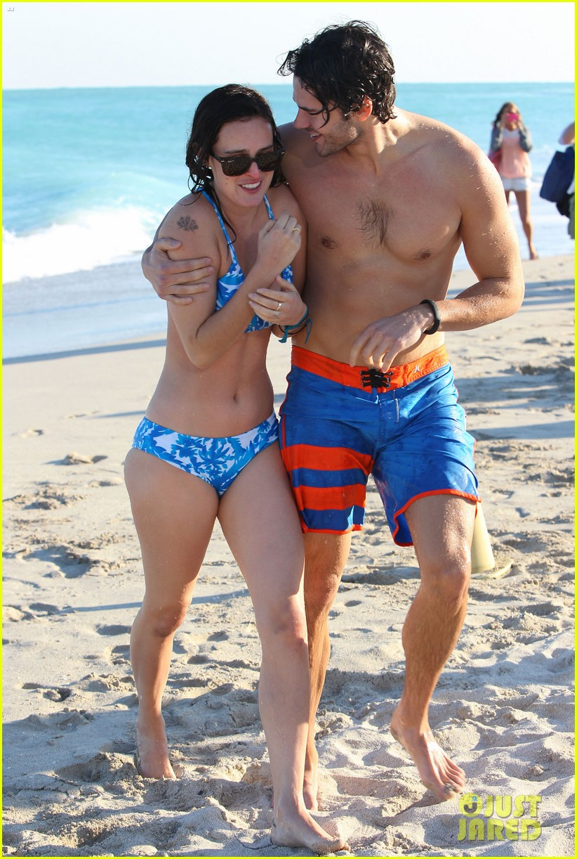 rumer willis jayson blair miami beach besos 04
