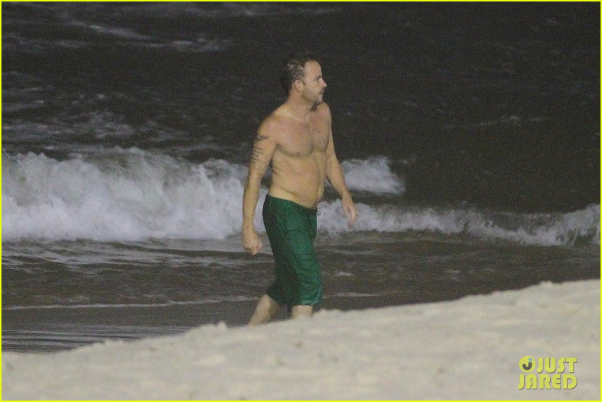 owen wilson stephen dorff shirtless beach buddies 05