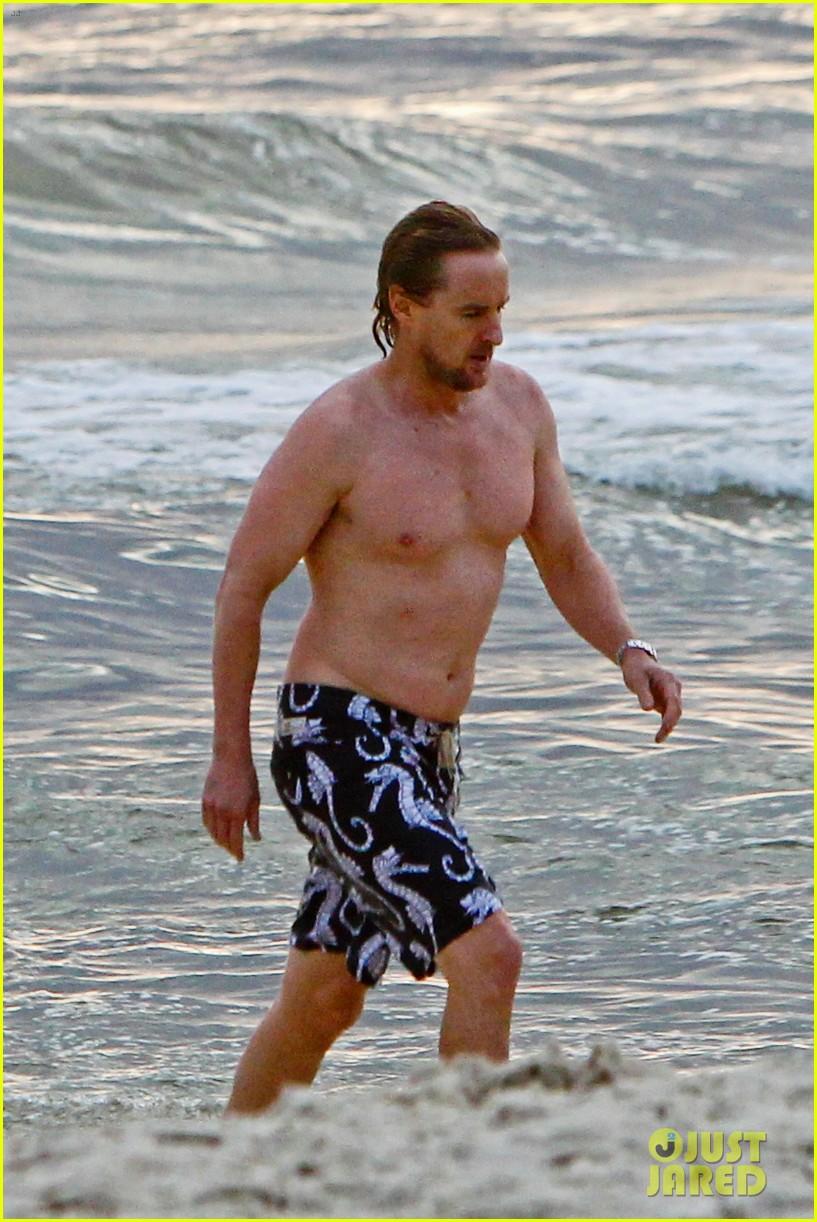 owen wilson shirtless in rio 03