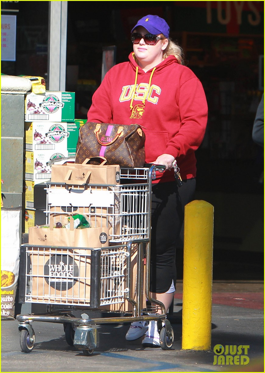 rebel wilson sunday shopaholic 01