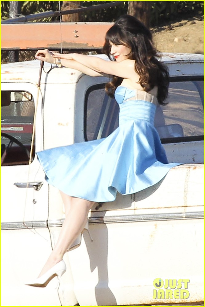 zooey deschanel glamorous photo shoot gal 132750959