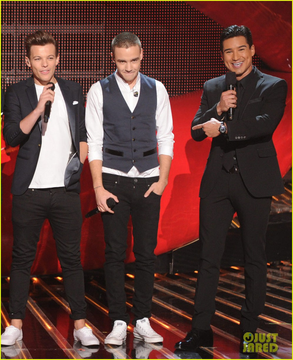 one direction performs kiss you on x factor finale 01