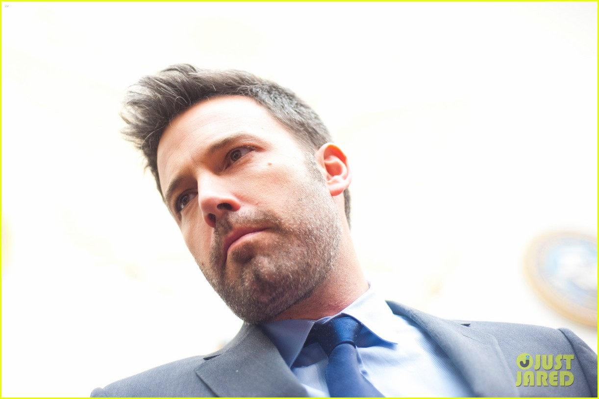 ben affleck drops out of focus with kristen stewart 16