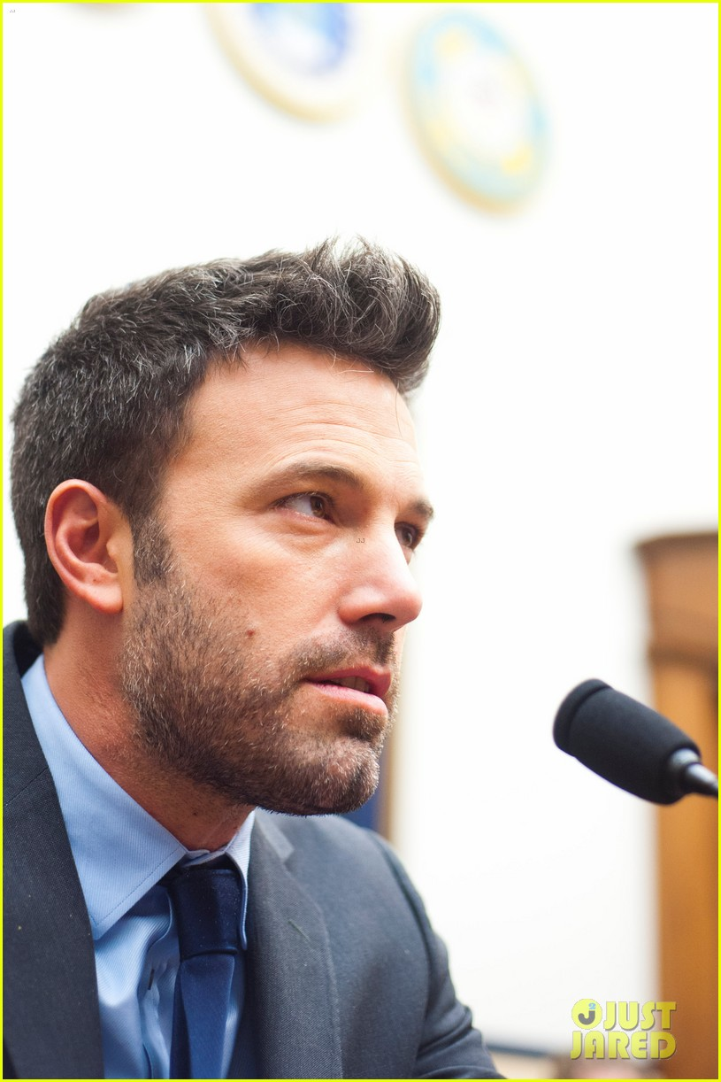 ben affleck drops out of focus with kristen stewart 172778374