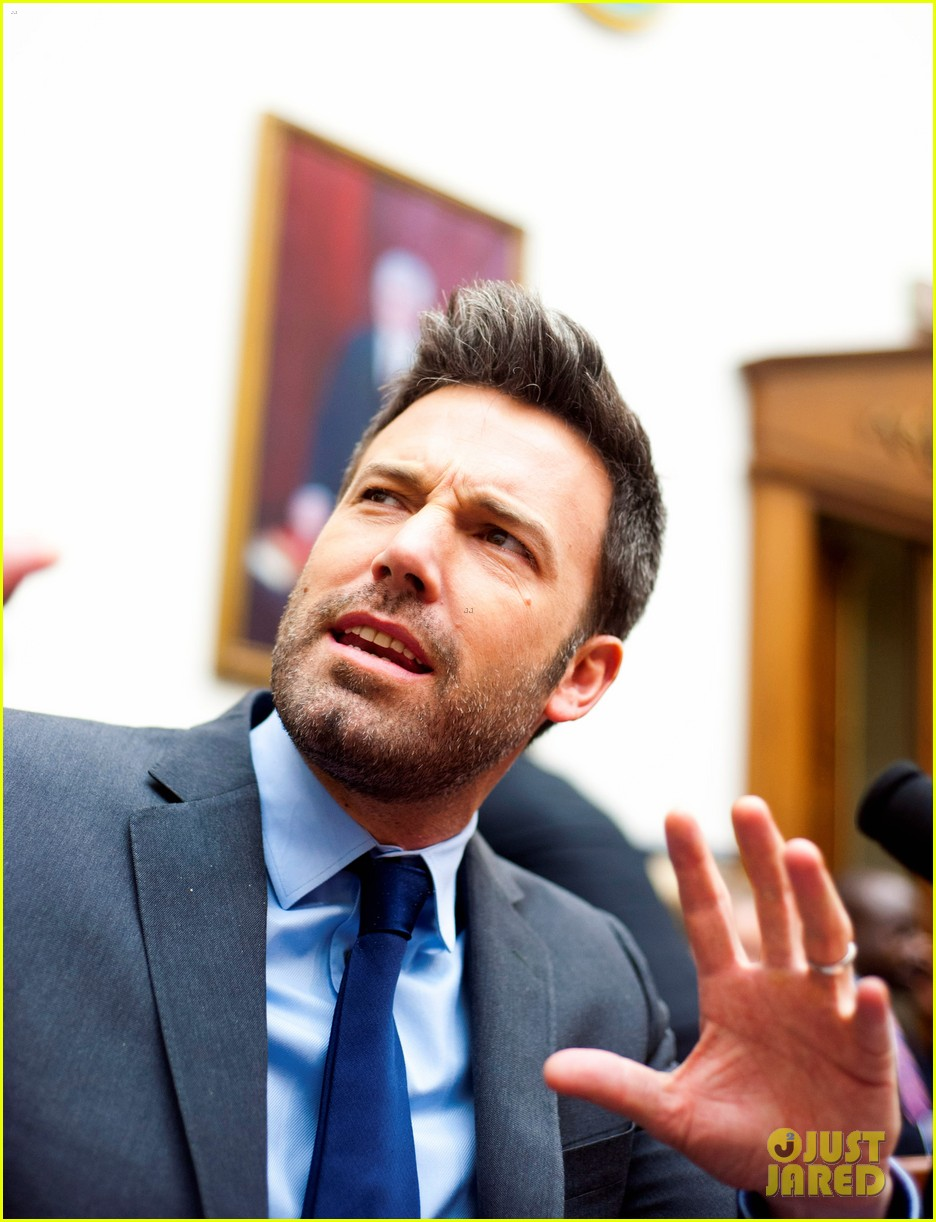 ben affleck drops out of focus with kristen stewart 18