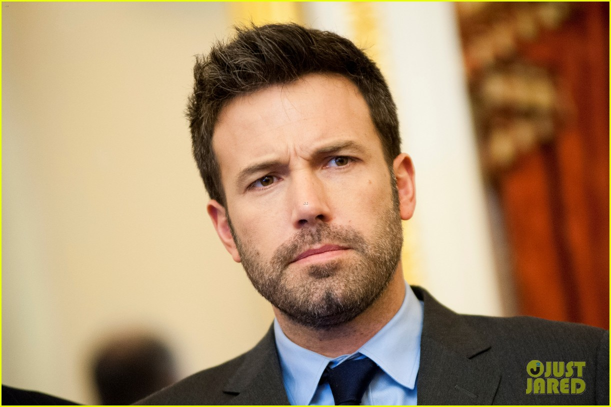 ben affleck drops out of focus with kristen stewart 212778378