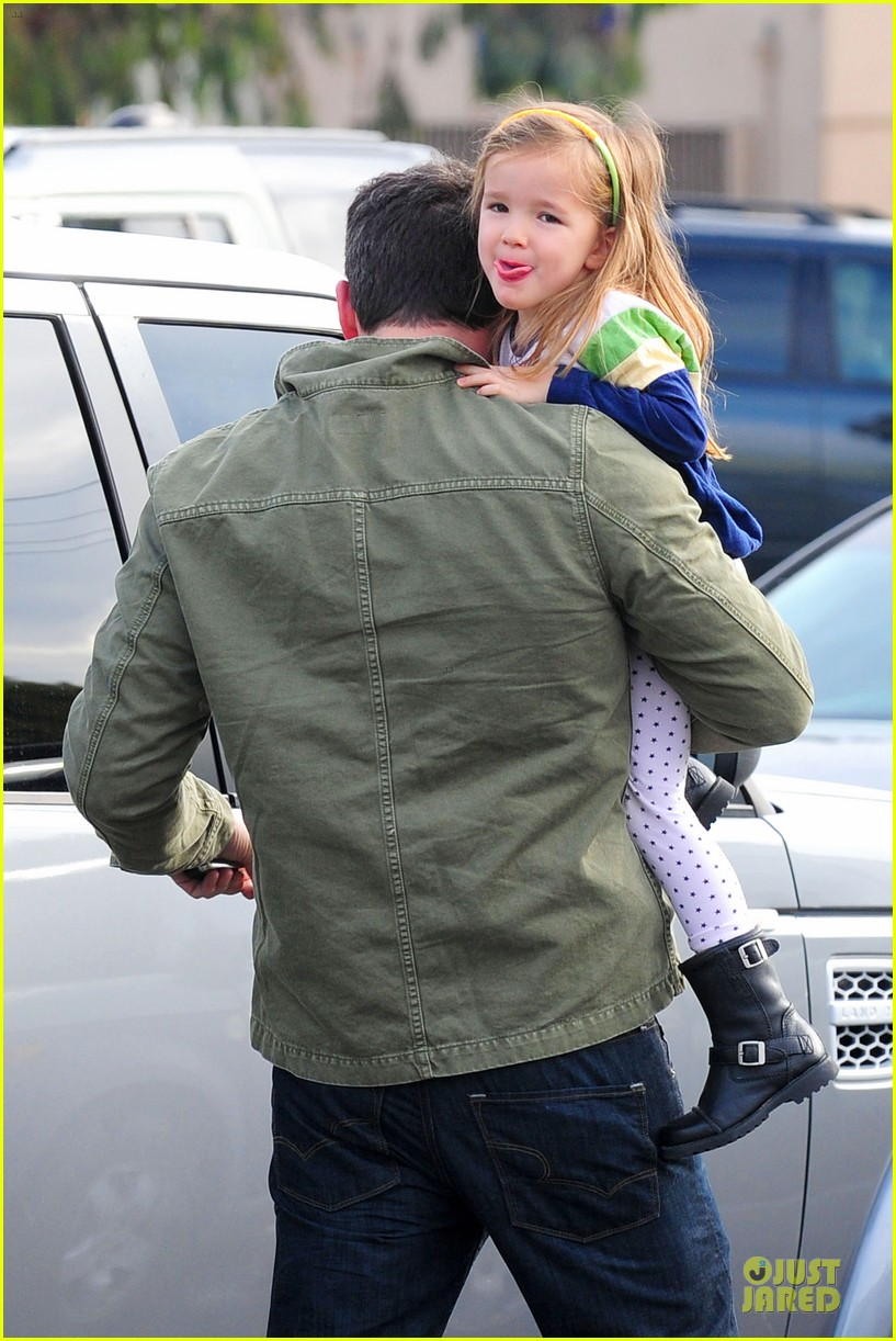 ben affleck & seraphina baskin robbins stop 02