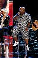 christina aguilera adam levine voice coaches sing green day for finale 05