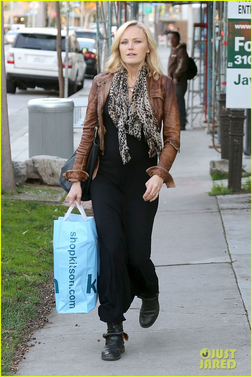 malin akerman kitson christmas shopper 072779234