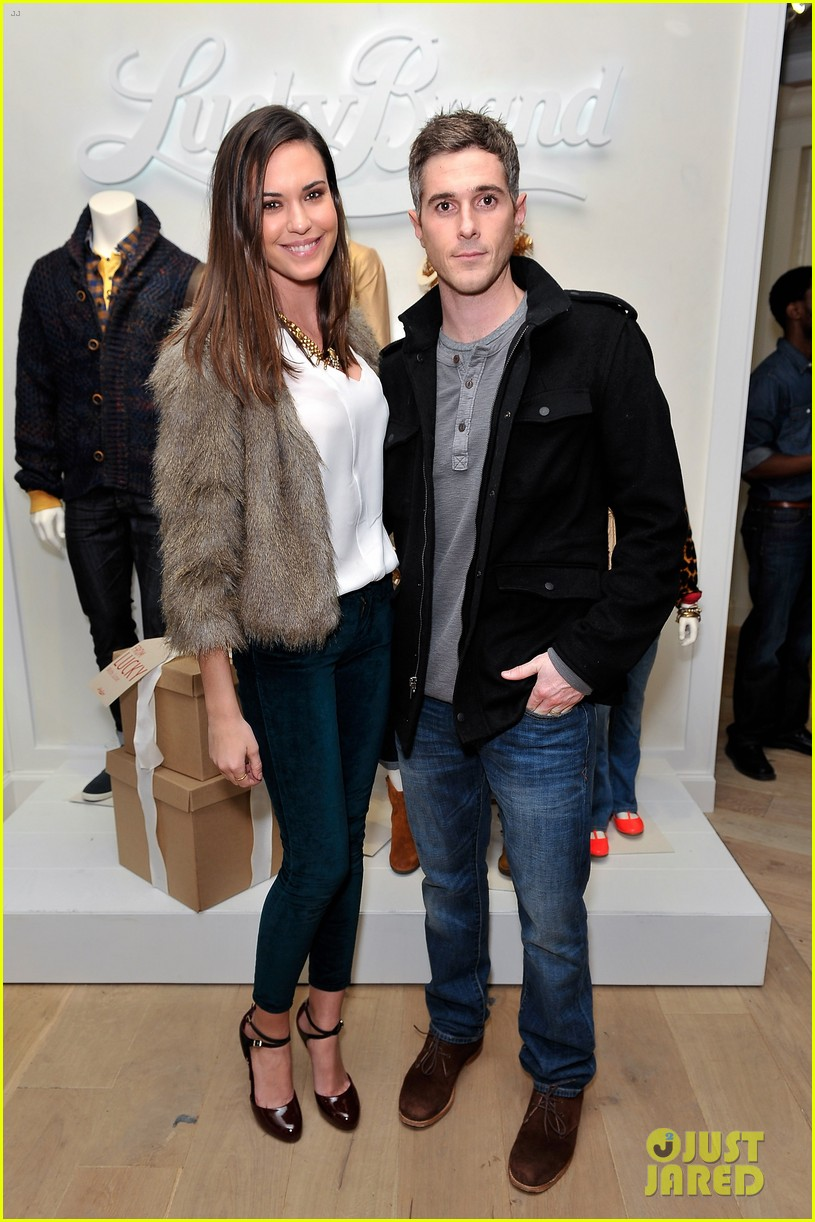 dave annable lucky brand store opening with odette 05