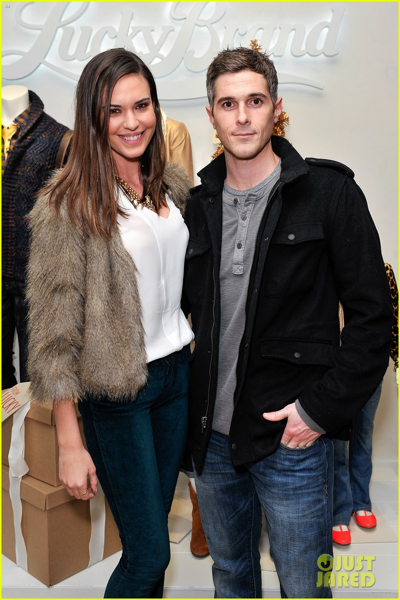 dave annable lucky brand store opening with odette 12