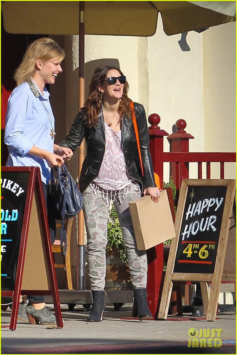 drew barrymore laughing at lunch 312773681
