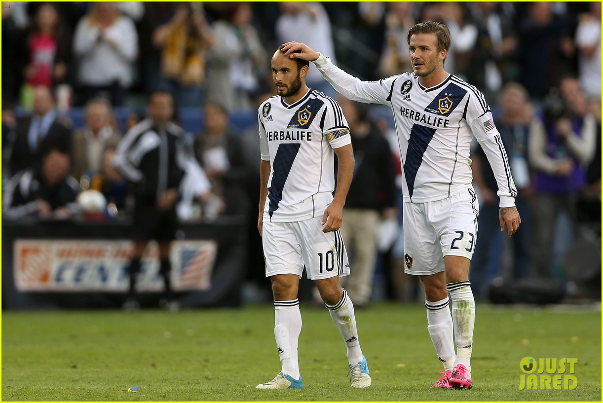 david beckham celebrates final galaxy win with his sons 07