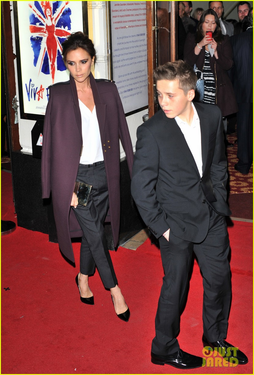 victoria beckham viva forever with david the boys 05