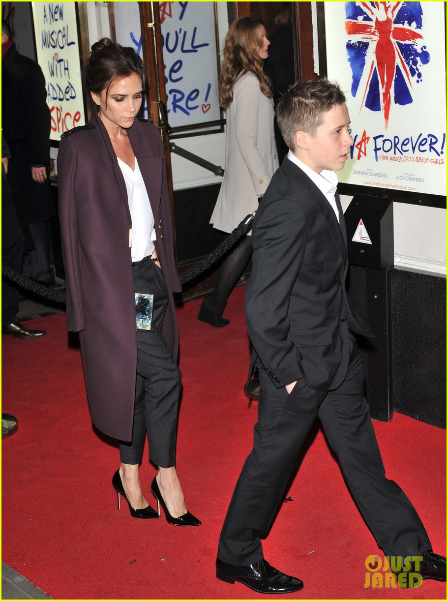 victoria beckham viva forever with david the boys 07