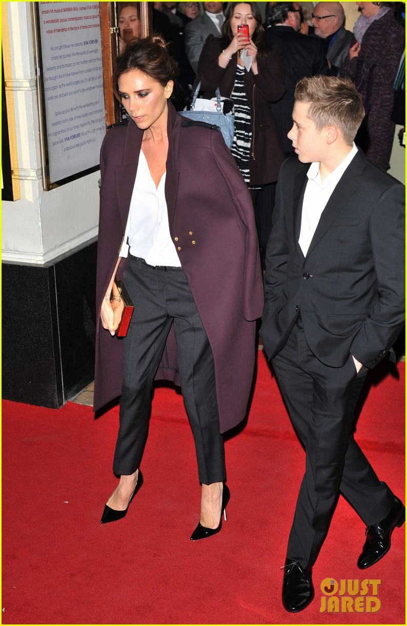victoria beckham viva forever with david the boys 11