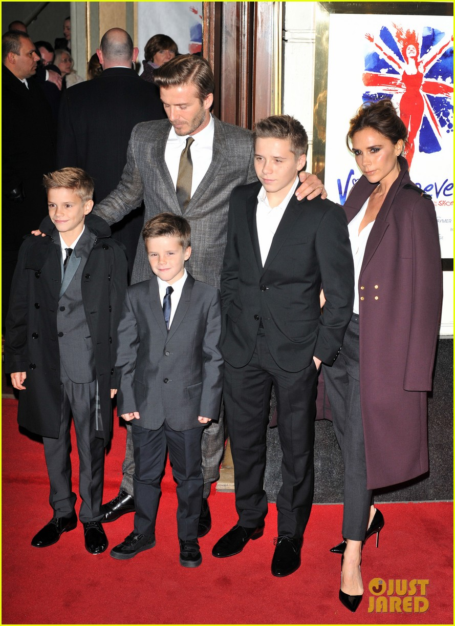 victoria beckham viva forever with david the boys 16