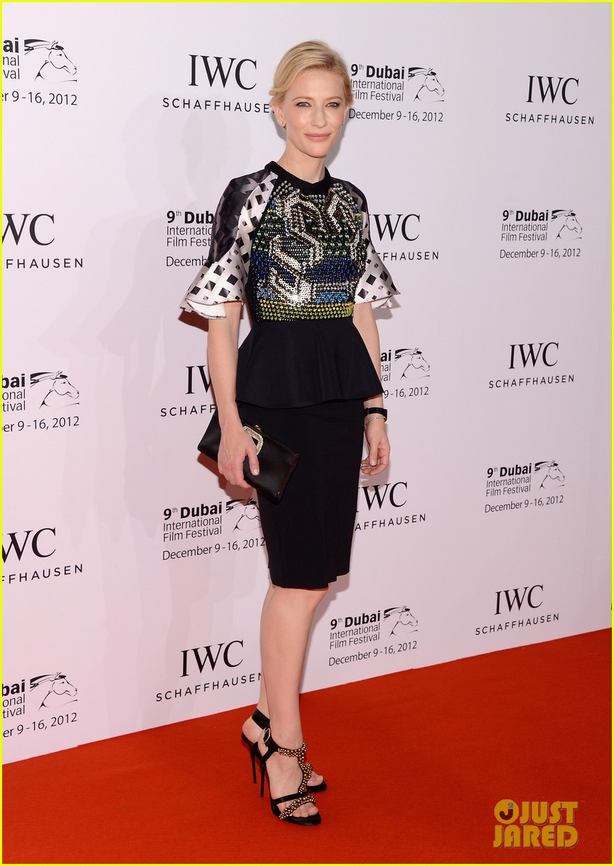 cate blanchett filmmaker award gala dinner in dubai 01