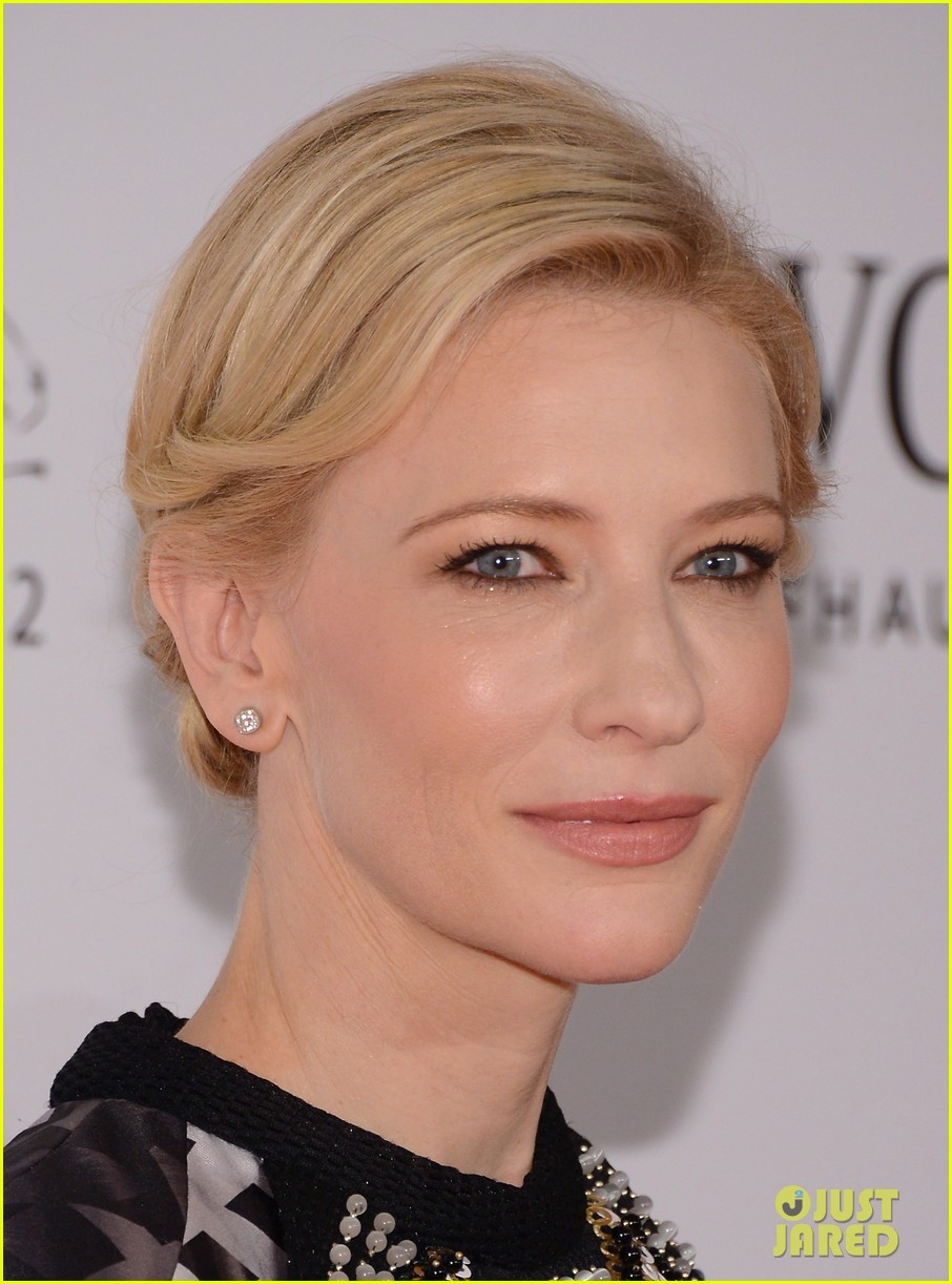 cate blanchett filmmaker award gala dinner in dubai 06