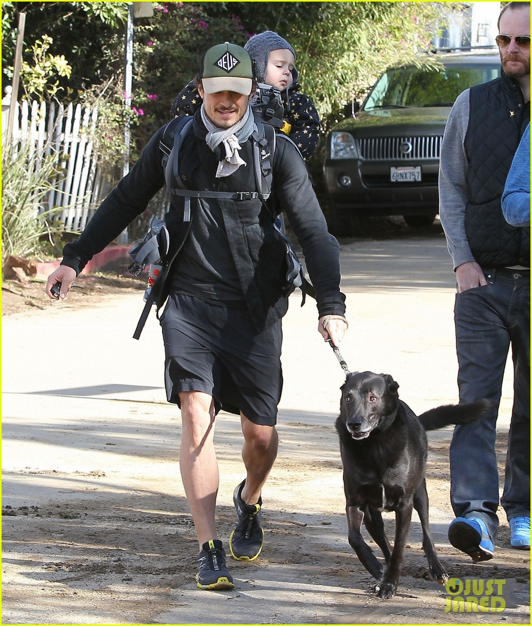 orlando bloom runyon canyon hike with flynn 252782404