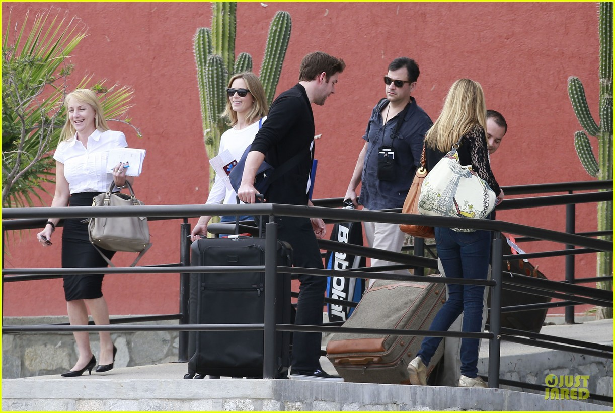 emily blunt & john krasinski arrive at jennifer aniston cabo crib 052781859