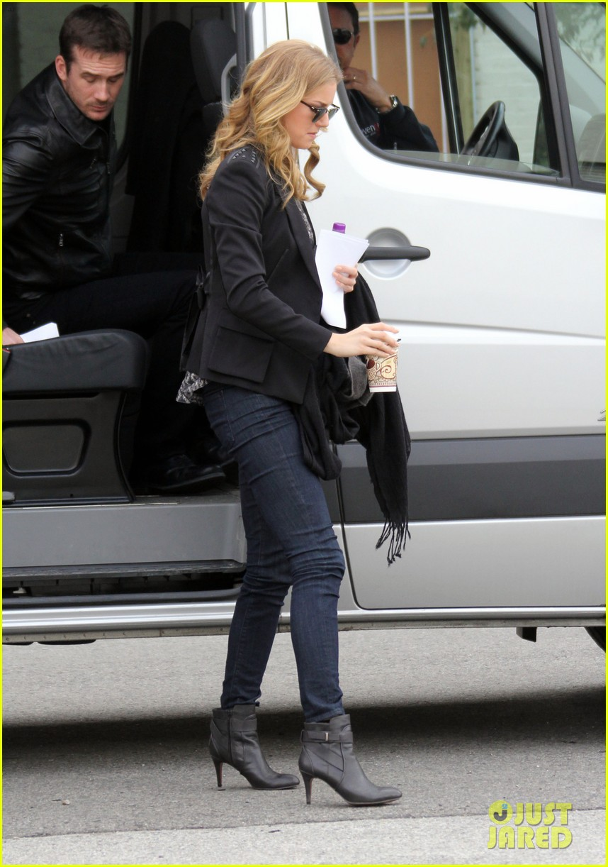 emily vancamp films revenge josh bowman is da man 13