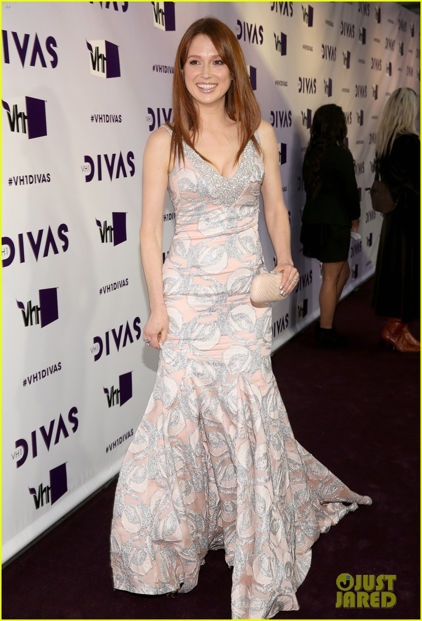 brandy ellie kemper vh1 divas 2012 red carpet 01